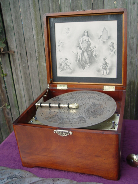 Leslie keno antiques